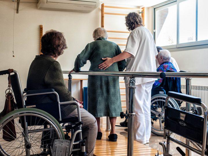 Atención sanitaria para personas en situación de dependencia.