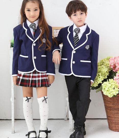 Uniforme escolar para las niñas ¿falda o pantalón?