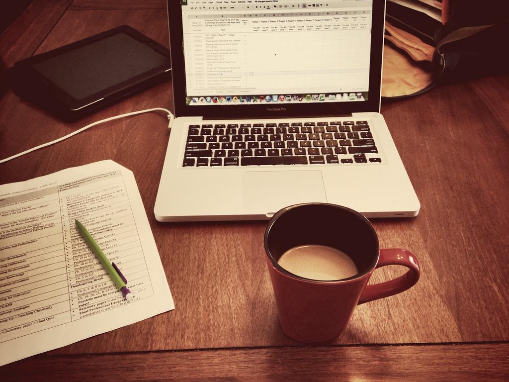 trabajar desde casa es beneficioso para la empresa, la igualdad y la conciliación laboral