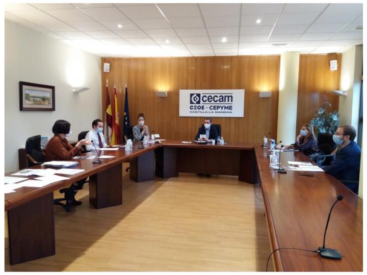 Trabajamos con CECAM: guía de igualdad para empresas y acciones formativas