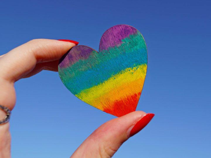 ¿Por qué hay que seguir combatiendo la homofobia?